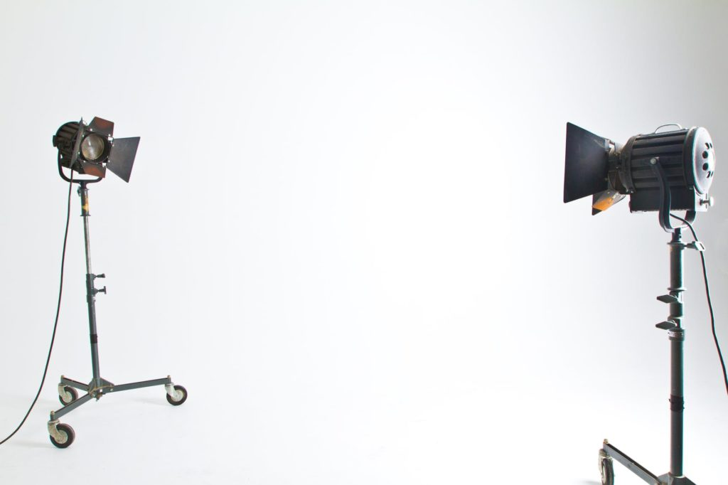 Personvern og samtykke ved bruk av bilder fra bildebanker